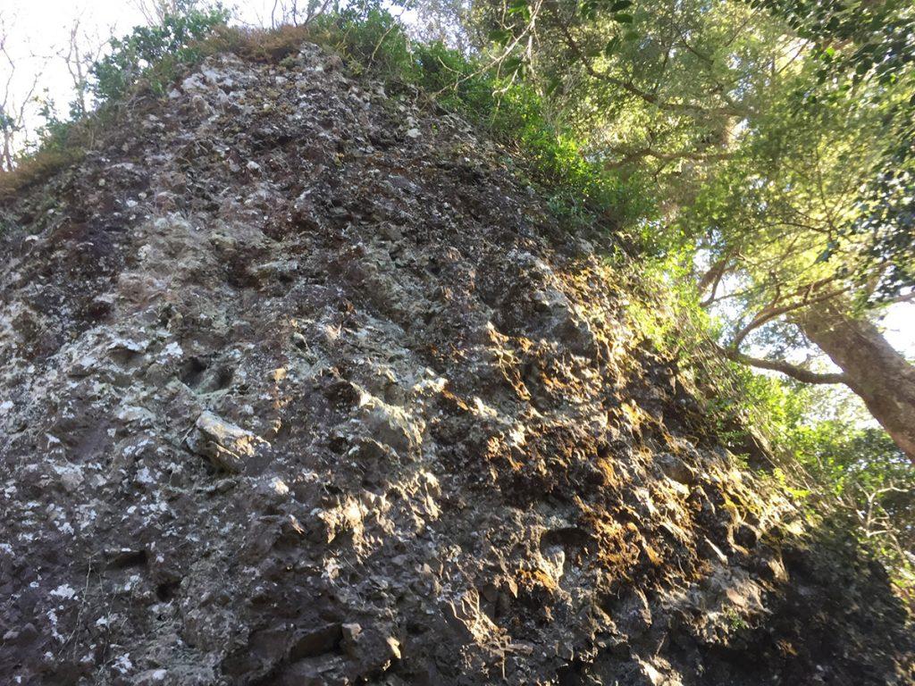 石谷山ハイキングコース びく石に到着