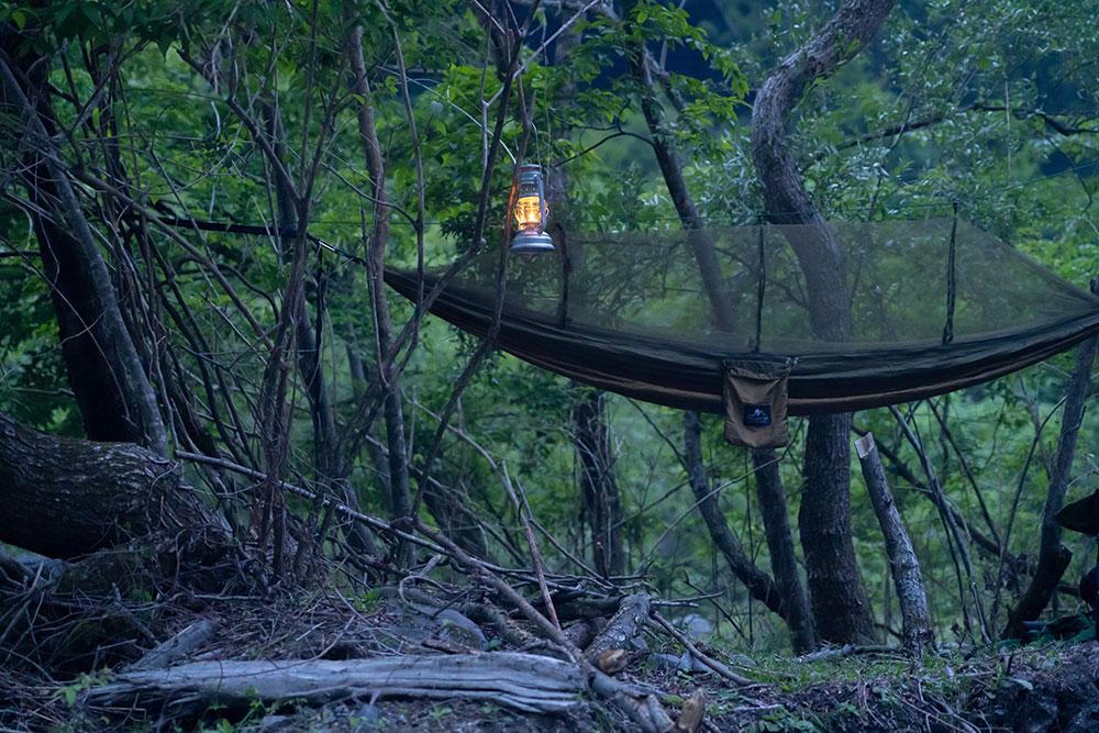 ハンモックキャンプ&野営。2900円のハンモックで過ごす夜