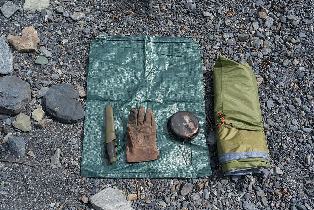 キャンプとアウトドアに!万能に使える収納袋、土嚢袋