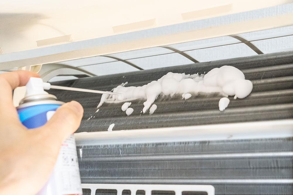 カビ・汚れ・・エアコンを分解せずに清掃したい!