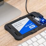 2TB SSDの外付けケースなら。防水・耐衝撃!